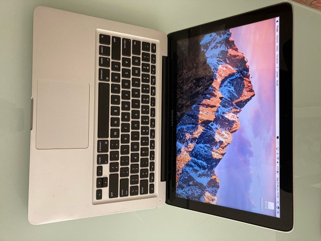 MacBook Pro i5 13?