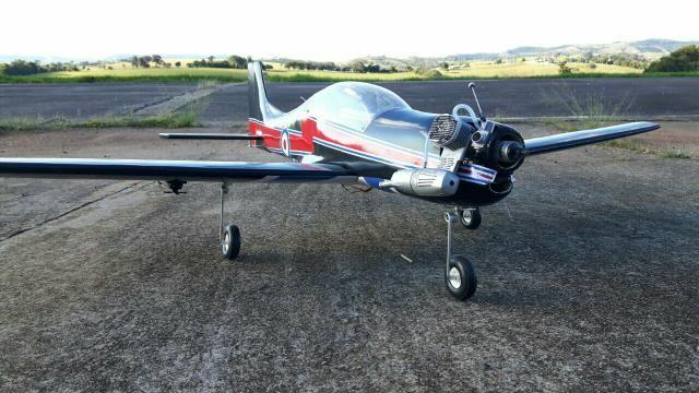Aeromodelo Tucano