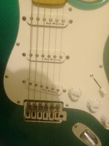 Guitarra giannini.