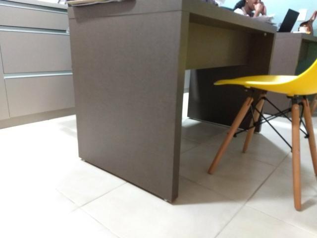 Mesa para escritório praticamente nova - Foto 2