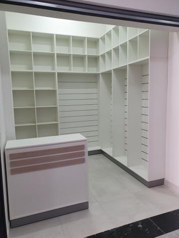 Vendo ou Alugo Loja Shopping Gallo 7,8m2 Mobiliada - Urgente - Foto 2