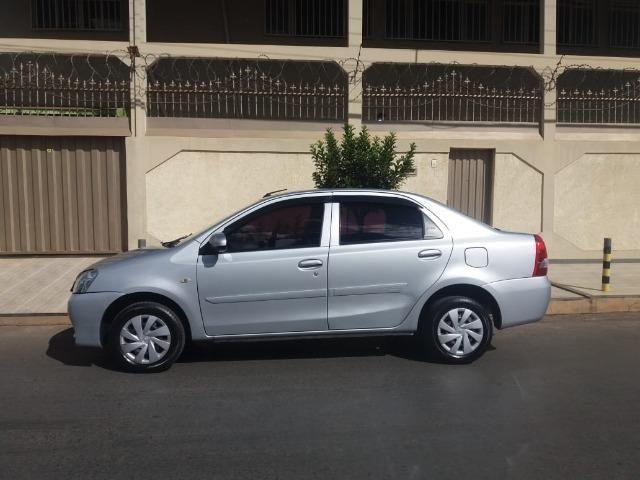 Urgentee Vendo ou Troco Toyota Etios 2017 Sedan, Completo Autom. bem abaixo da Fipe - Foto 12