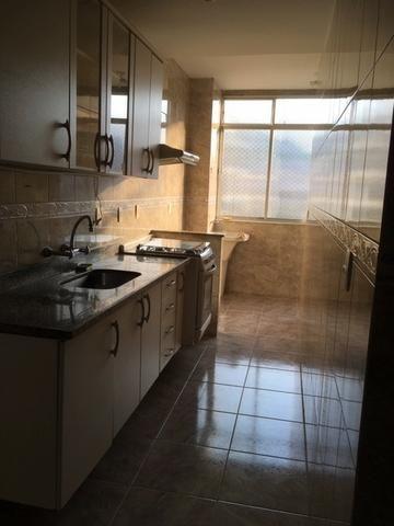 Ótimo apartamento 2 quartos com varanda e garagem na Carlos Vasconcelos - Foto 9