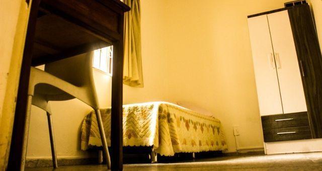 Quartos em casa mobiliada, cond. fechado na Paralela - Unijorge, Cab e metrô - Foto 6