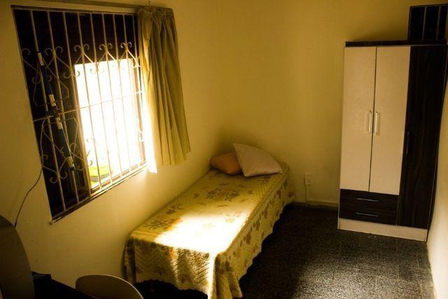 Quartos em casa mobiliada, cond. fechado na Paralela - Unijorge, Cab e metrô - Foto 15
