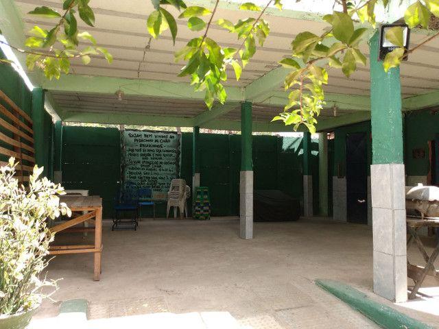 Alugo casa/espaço com piscinas - Foto 4