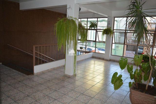 Apartamento 3 Dormitórios com sacada - Uma quadra do Calçadão - Foto 2