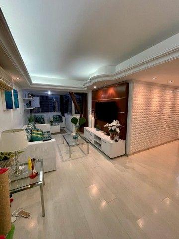 Apartamento para venda tem 127 metros quadrados com 3 quartos em Ponta Verde - Maceió - Al