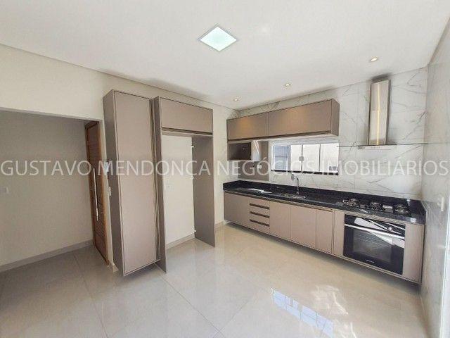 Casa com 3 quartos e espaço gourmet no Rita Vieira 1- Ótima localização! - Foto 2