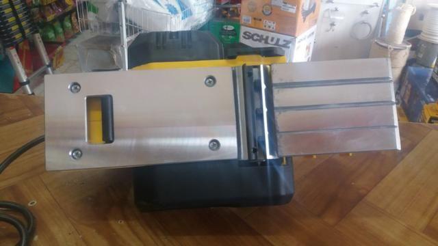 Plaina eletrica stanley 750w R$450,00 a vista novo sem uso com garantia - Foto 3