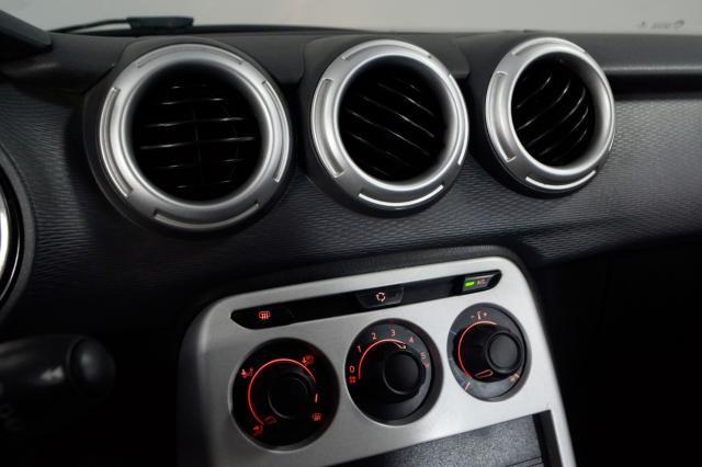 Citroën C3 Origine 1.5 Flex 8V 5p Mec. - Preto - 2014 - Foto 18