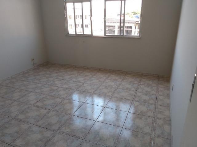Vendo Vila da Penha apartamento 2 qts sem elevador vaga na escritura - Foto 2