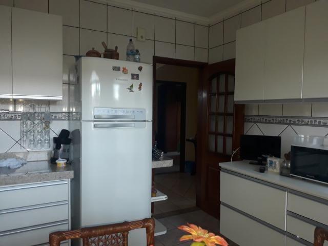 Vendo linda casa em condomínio fechado na DF 425(Pego sua casa no Setor de Mans?es!) - Foto 8
