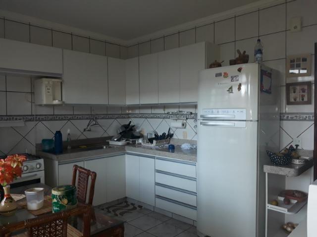 Vendo linda casa em condomínio fechado na DF 425(Pego sua casa no Setor de Mans?es!) - Foto 5