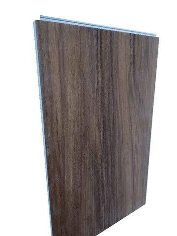 Piso Vinilico J.E. Floor Sistema Clicado Marrom Escuro Espessura 6mm