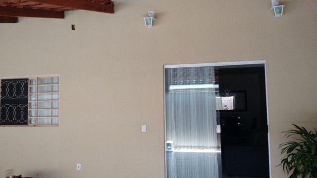 Casa 4q sendo 2 suites proximo ao tatico Garavelo