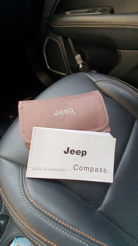 Jeep Compass Longetude 2.0 16v 2017 30mil km Completo  - Foto 11