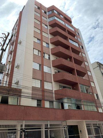 03 Dormitórios + Dependência, Amplo terraço, 200m² Privativos, Rua 2000