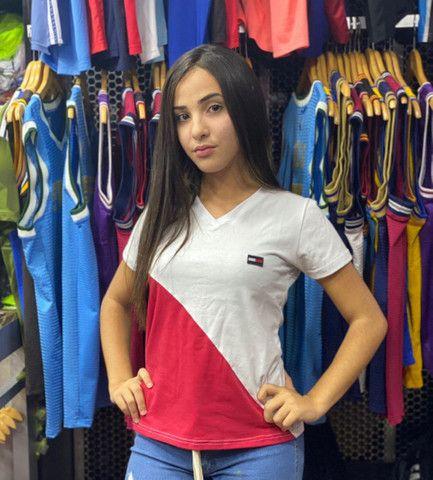 Camiseta Feminina Recortada Premium Bordada Cod4 - Foto 6