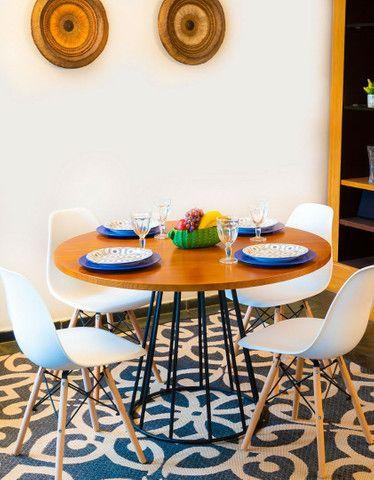 Mesa redonda estilo industrial + 4 cadeiras  - Foto 2