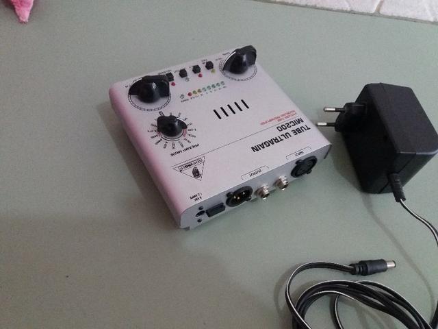 Pré amplificador p/microfone berhinger