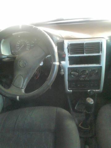 Vendo carro um polo classic 98 motor AP 1.8 - Foto 4