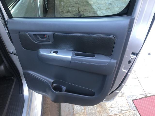 Toyota Hilux SR 4x4 3.0 8V 116CV TB DIESEL / pneu NOVO / todas revisões na Toyota - Foto 10