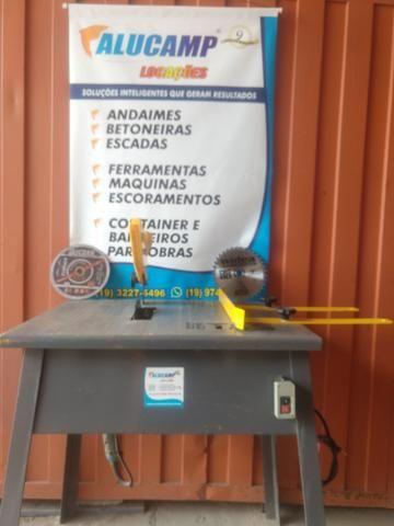 Serra de mesa corta madeira e metal