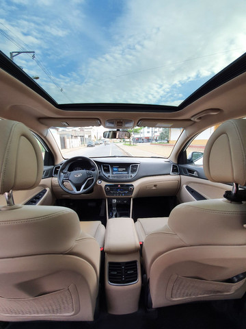 New Tucson GLS 1.6 turbo + interior bege + teto panorâmico - Foto 18