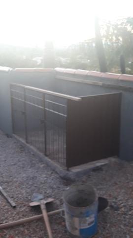 Vendo canil de ferro pintado/casinha