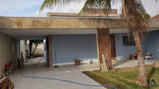 Casa terrea com terreno de 360m² e 160 m² de área construída, imóvel todo reformado
