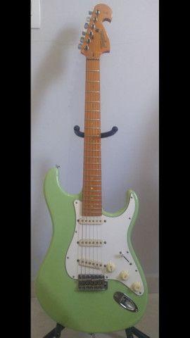 Guitarra Tagima 735