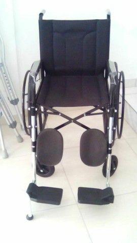 Aluguel cadeira de rodas com elevação  - Foto 3