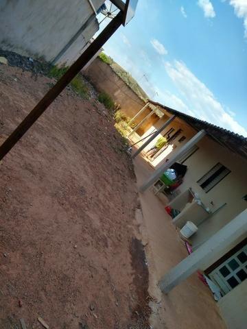 Otimo Lote 300 m² com 2 Barracos Cond. Dom Francisco - Foto 7