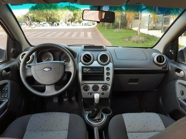 Fiesta Hatch 1.6 - Foto 3