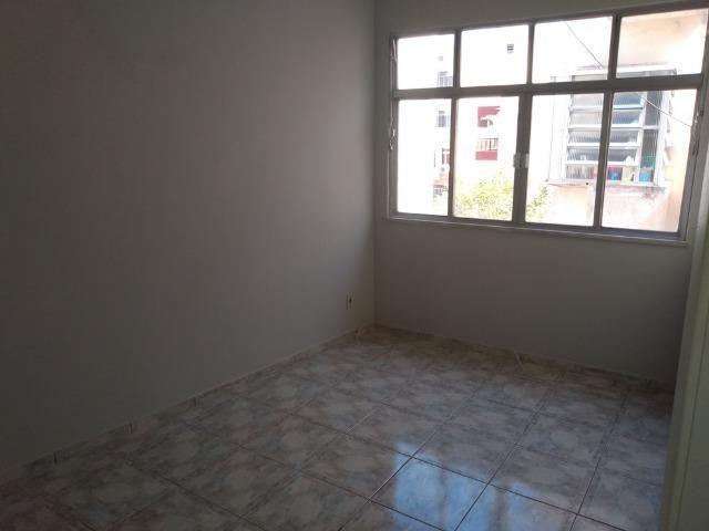 Vendo Vila da Penha apartamento 2 qts sem elevador vaga na escritura - Foto 3