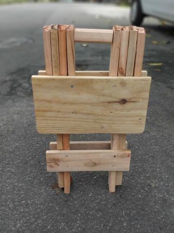Banquinho de madeira dobrável