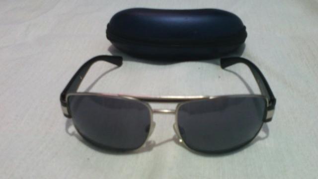 385490ad9e6a2 Óculos solar original com estojo - Bijouterias
