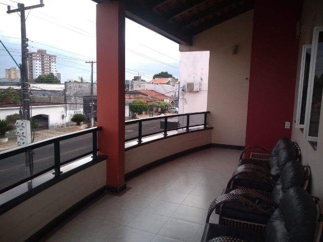 Linda mansão no centro de Castanhao por 1.800.000,00 - Foto 15