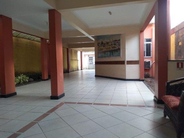 Linda mansão no centro de Castanhao por 1.800.000,00 - Foto 19