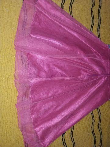 Vestido de gala rosa todo a tule com estras na cintura e renda com tule em cima  - Foto 5