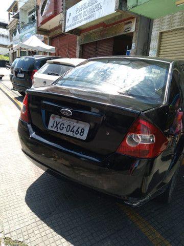 VENDO FIESTA SEDAN 1.6, PRETO, 2004/2005; * - *  - Foto 3