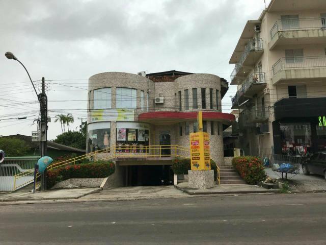 Vendo Prédio Comercial/Residencial no Centro