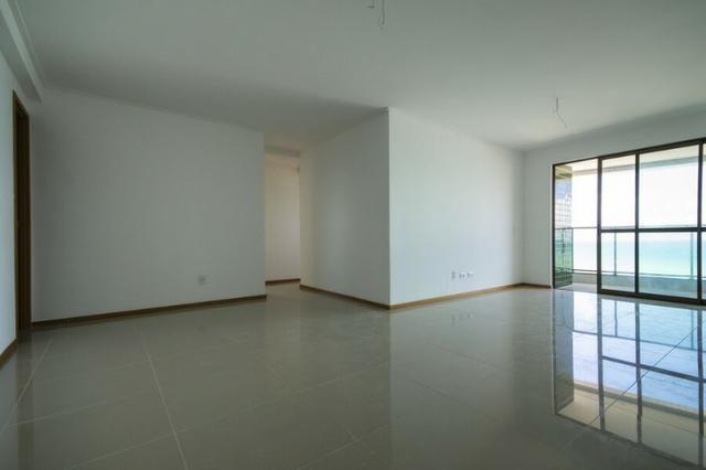 Apartamento 4 Quartos, 2 Suítes, Varanda, 4Wc, 2 Vaga, 147m², 1 Quadra Praia Código VD0210