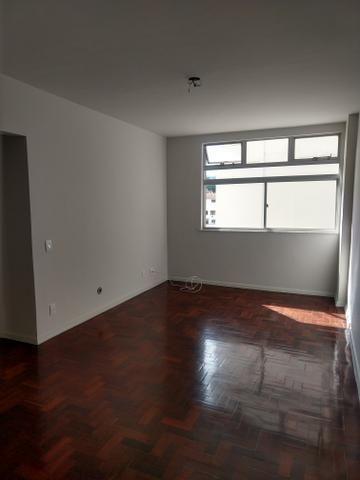 Apartamento quadra praia, Rua Mariz e Barros