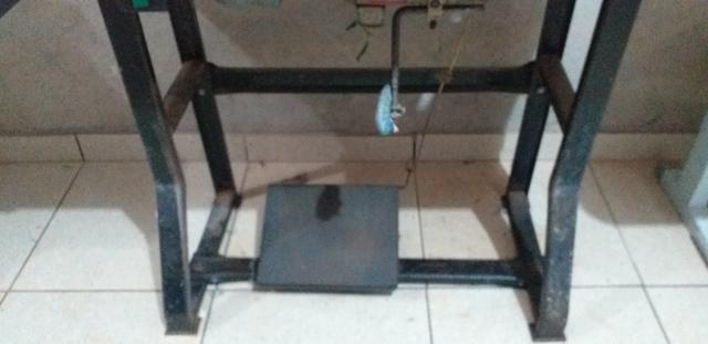 Máquina reta R$700 e overloq 1500 industriais - Foto 2