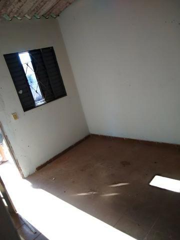 Otimo Lote 300 m² com 2 Barracos Cond. Dom Francisco - Foto 3