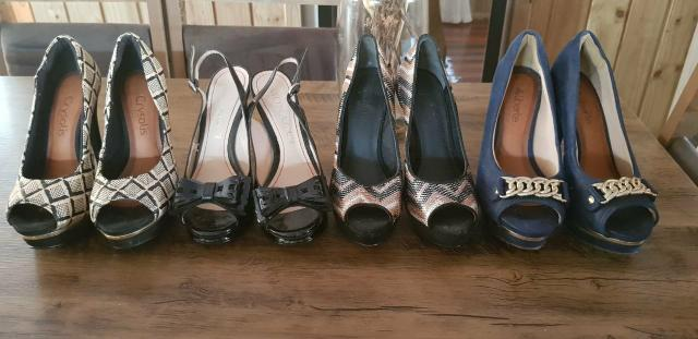 a7890eda4 Sapatos femininos Semi-novos!!! - Roupas e calçados - Praia Brava ...