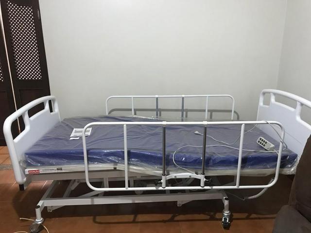 Vendo cama hospitalar 6 movimentos, colchão pneumático e aparelho bipap (respirador)