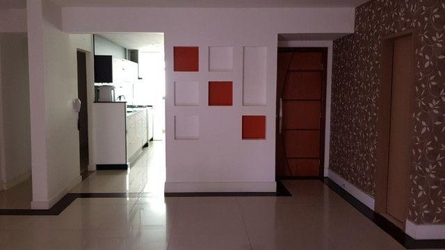 Apartamento na Barra da Tijuca, 3 Quartos, 1 Suíte, 152 m², 2 Aptos por Andar - Foto 2